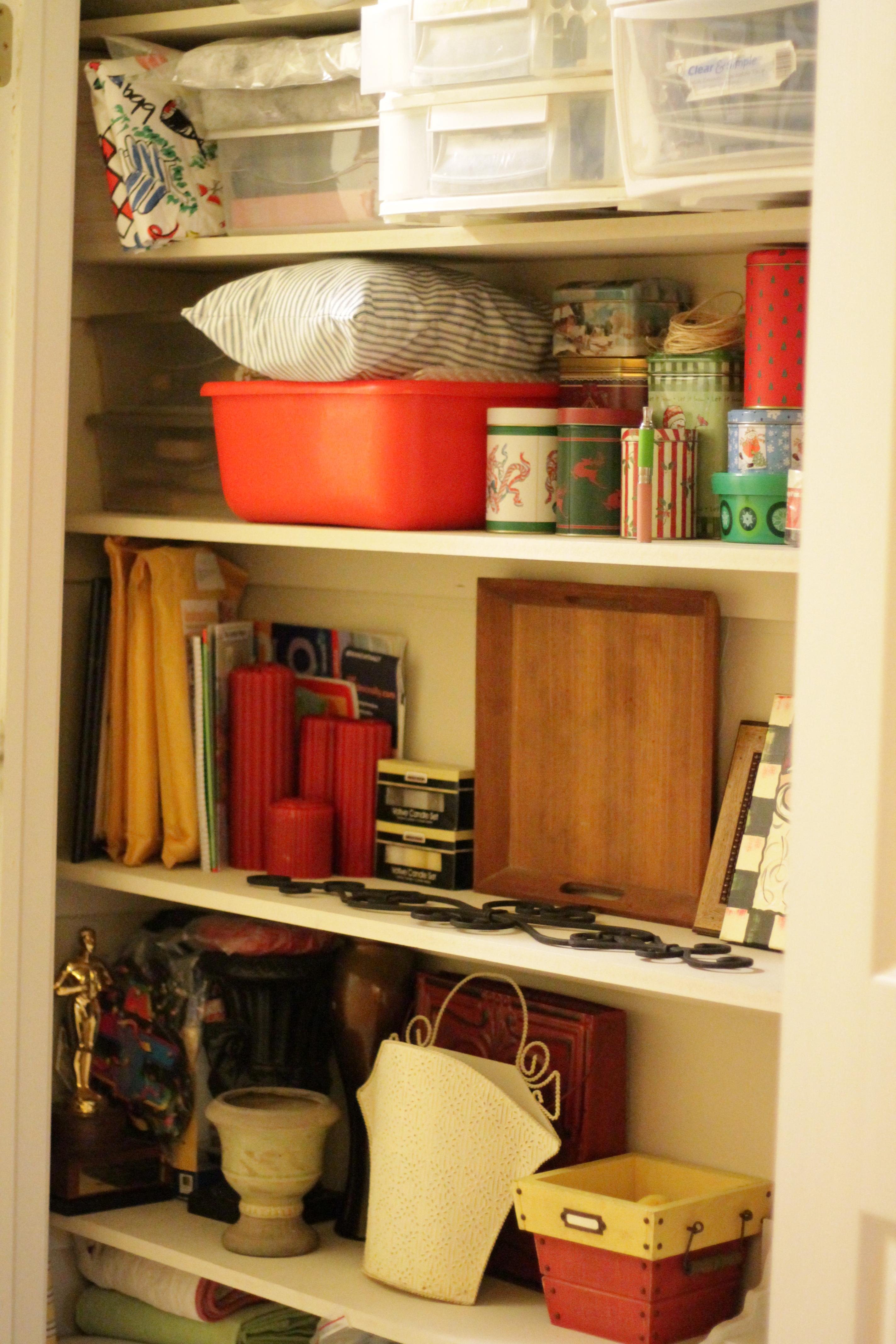 Closet organization 020